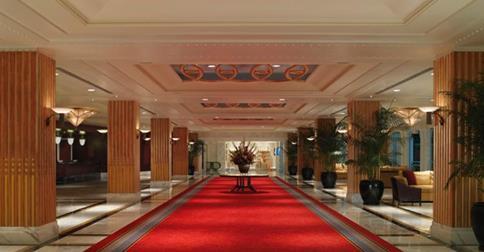 gaylord-hotel-lobby